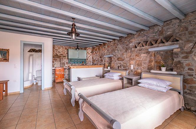 Houlakia Jacuzzi Home