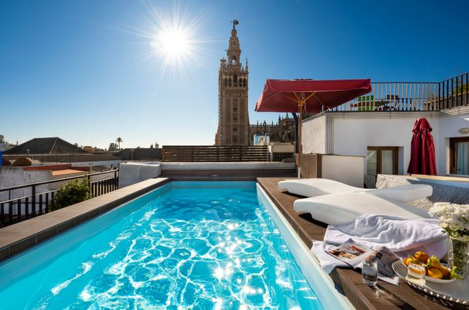 Seville Pool Apartment