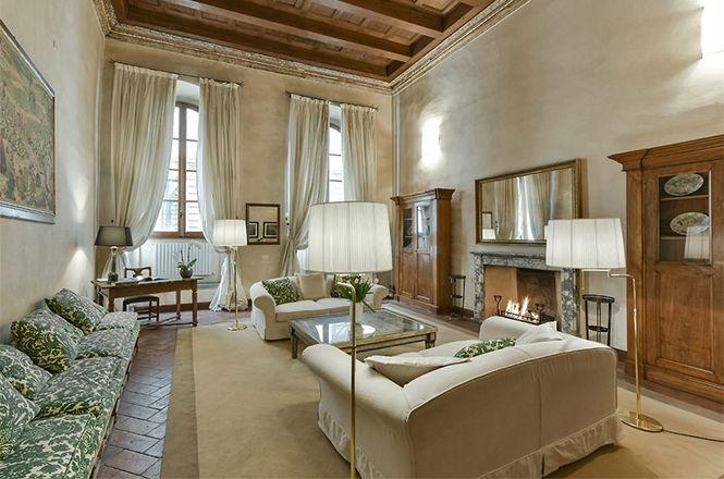 Florence Medici Apartment