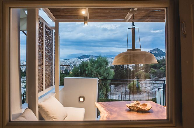 Acropolis Jacuzzi House
