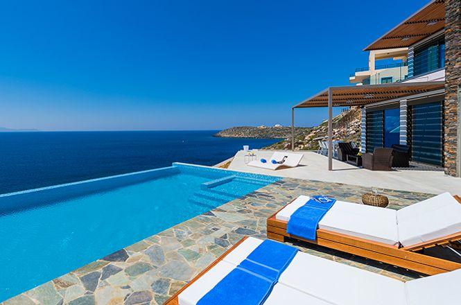 Akrotiri Sea View Villa