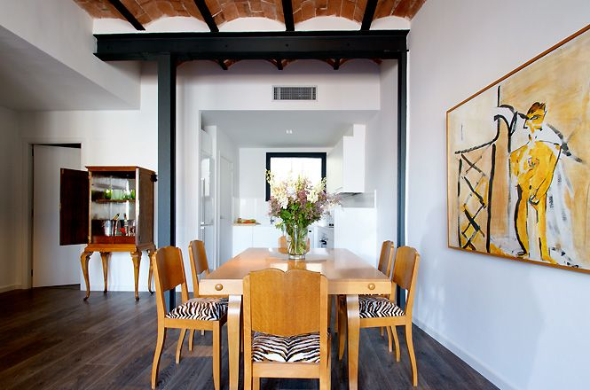 Art Deco Diagonal Apartment