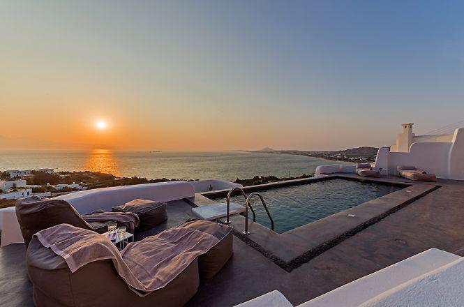 Naxos Villa With Pool