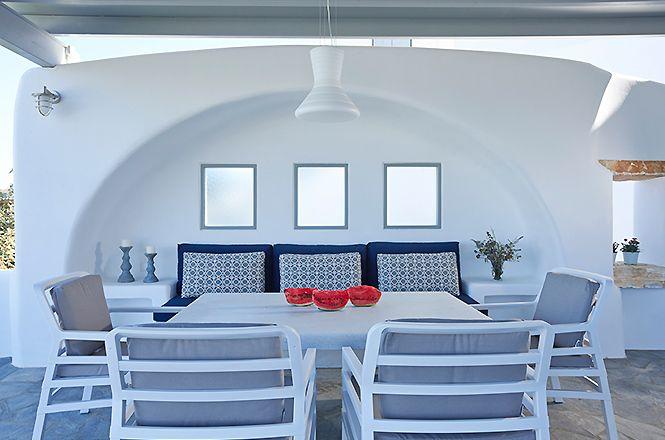 Naxos Deluxe Villa