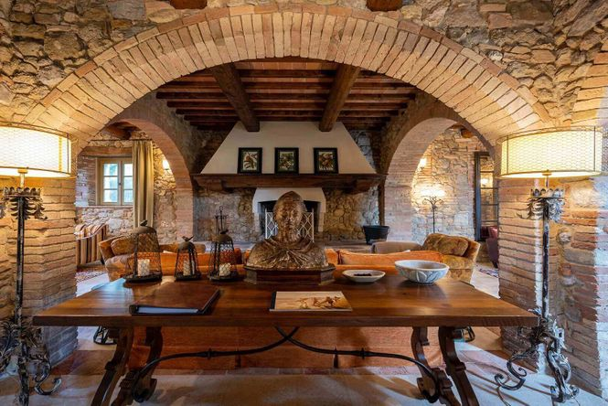 Siena Retreat Farmhouse