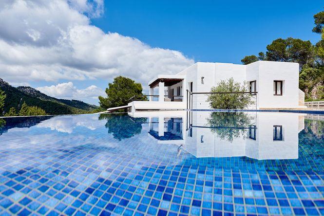 Es Cubells Luxury Villa