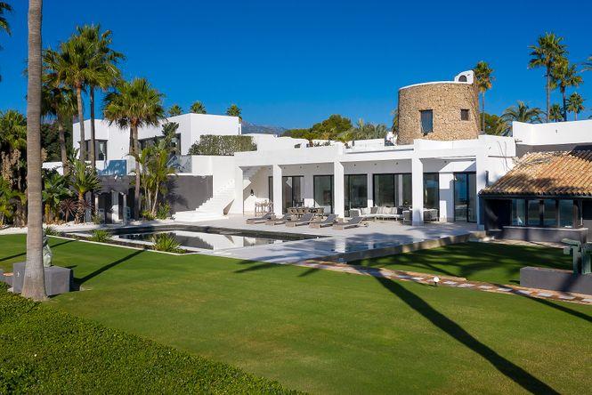 Los Monteros Beach Villa