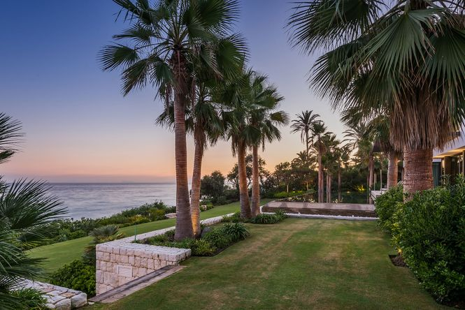 Seafront Villa Marbella