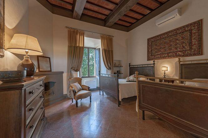 Montalcino Luxury Castle