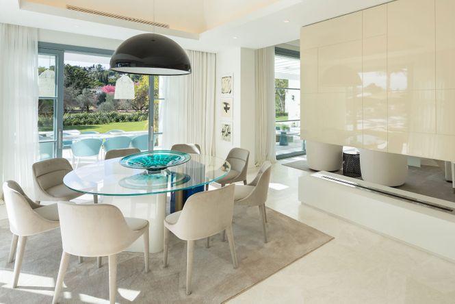 Nueva Andalucia Design Villa