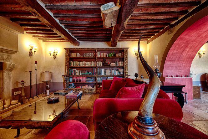 Deluxe Siena House