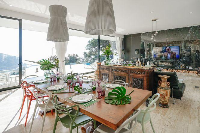 Seafront Villa Canyelles