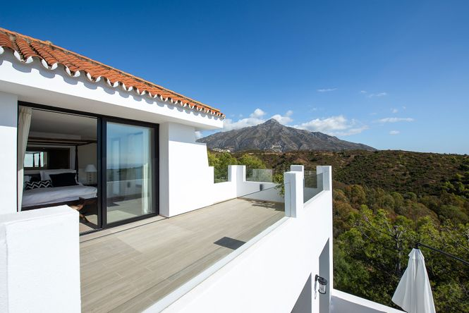 Nueva Andalucia Luxe House