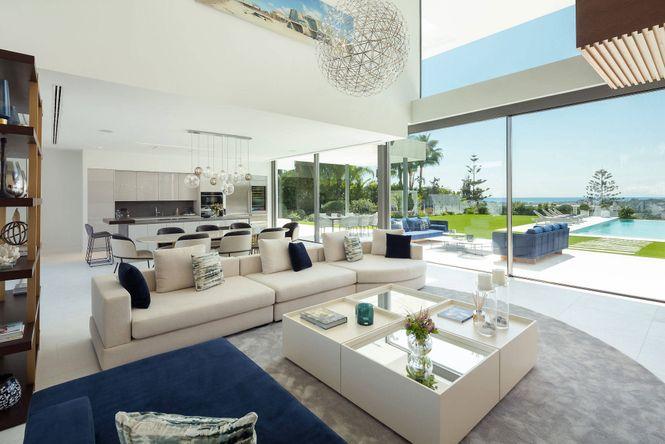 Las Brisas Modern Villa