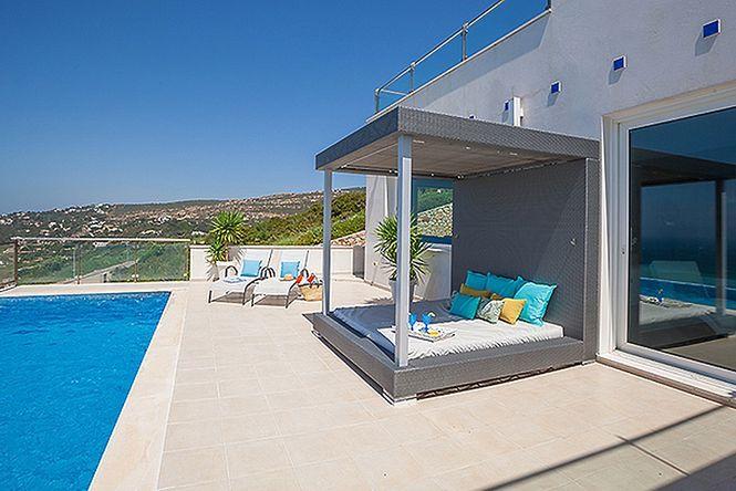 Zahara Seaview Villa