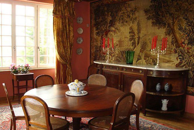 Charming Castle Luxury Burgundy