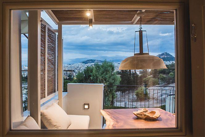 Acropolis Jacuzzi Apartment