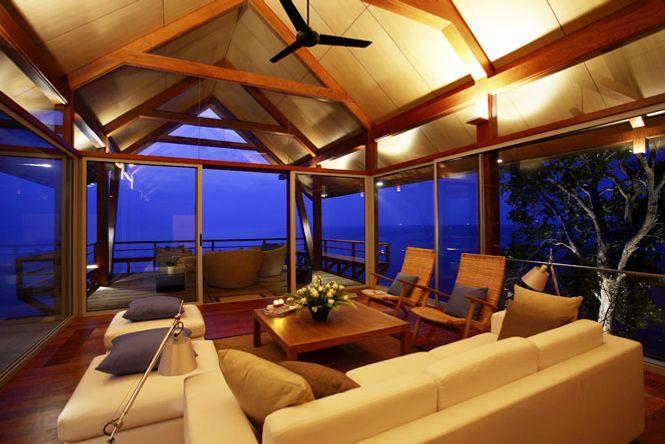 Deluxe Seaside Villa