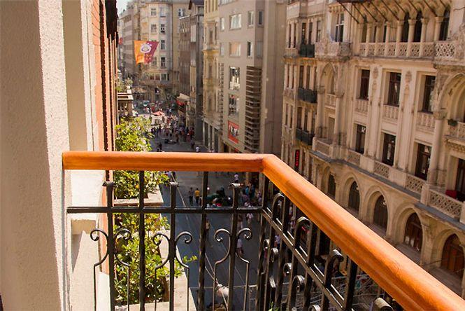Beyoglu Balcony Studio