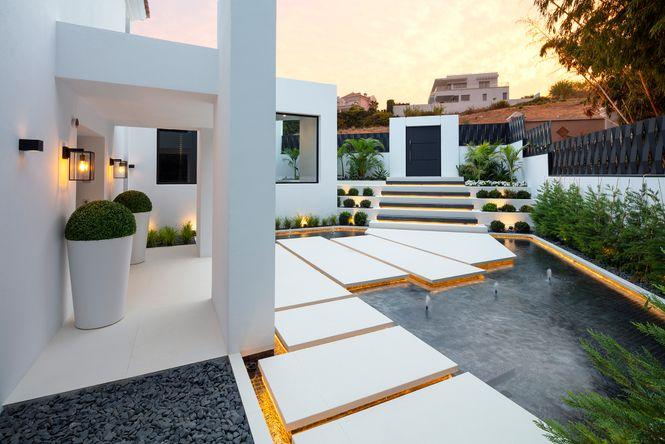 Los Naranjos Modern Villa