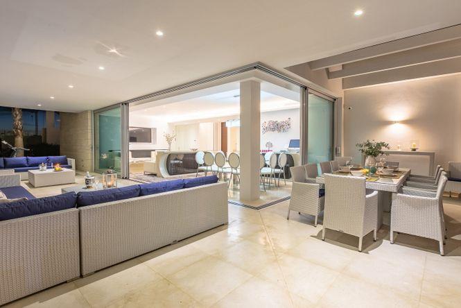 Modern Pool House Marbella