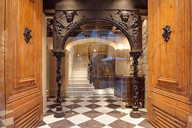 Gothic Quarter Jacuzzi Loft