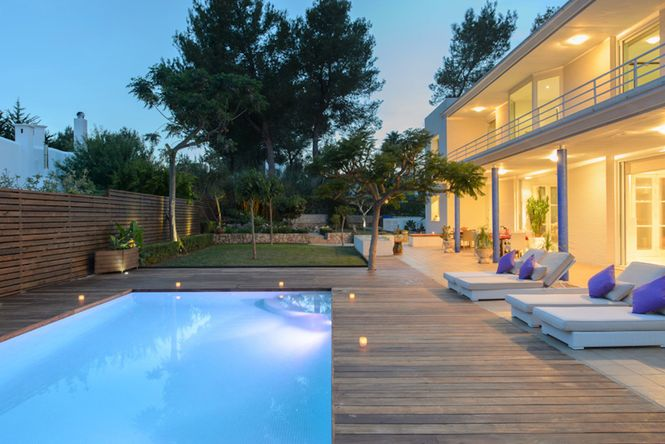 San Antonio Pool Villa