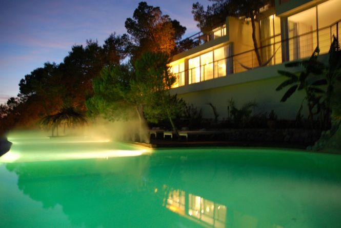 Exclusive Beachfront Villa